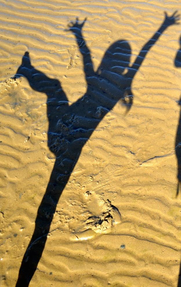 Amelia's dancing shadow