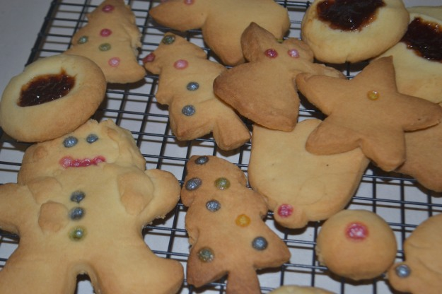 That might not be how you handle shortbread but no one's needing any cajoling to eat it!