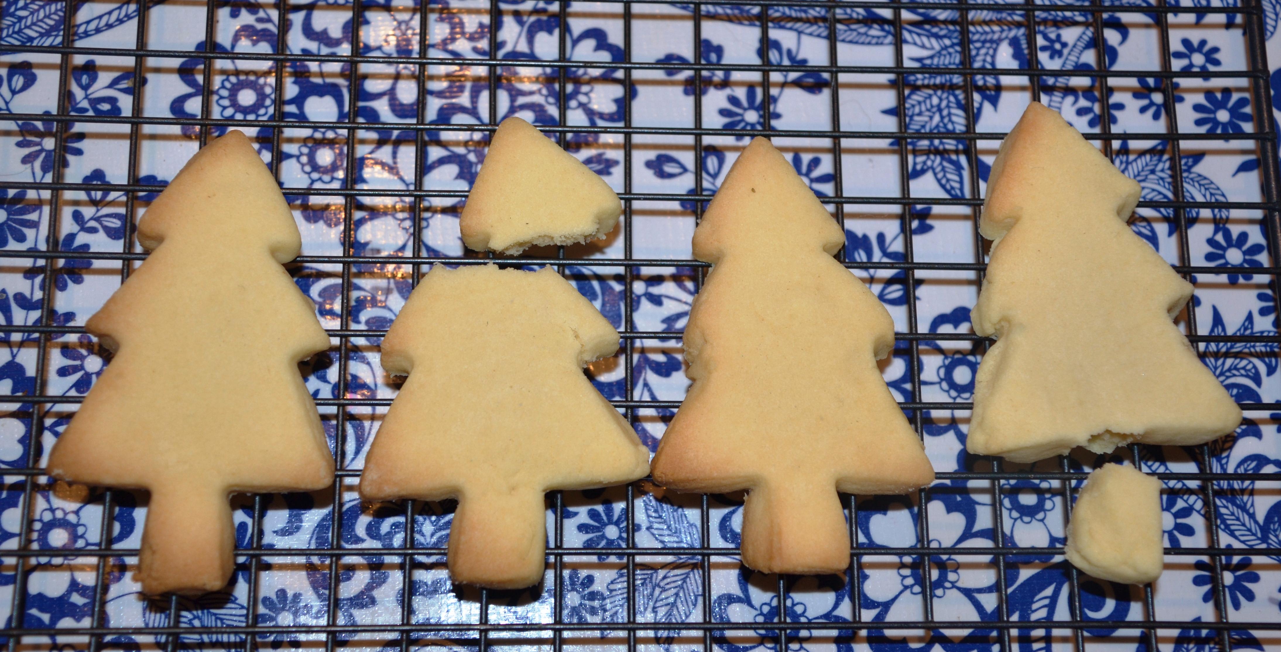 Shortbread Christmas trees 2015