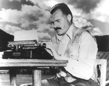 ernest-hemingway-with-typewriter