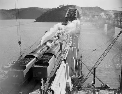 steam-trains-weight-testing-hawkesbury-river-bridge-1946