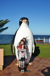rowena-kids-with-penguin