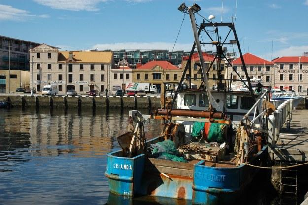 Hobart-Wharfcrayfishboat.jpg