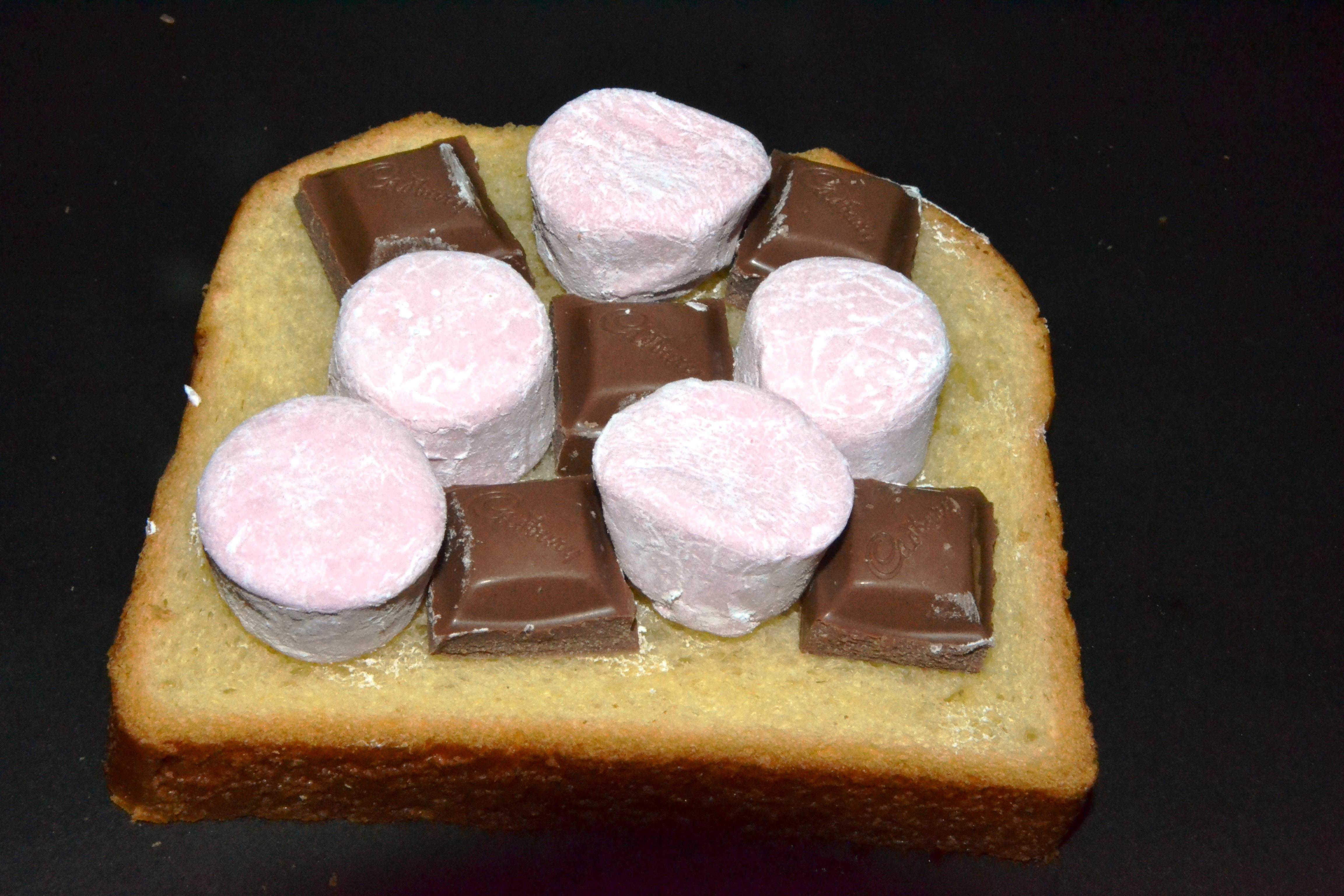 marshmallow mud toastie