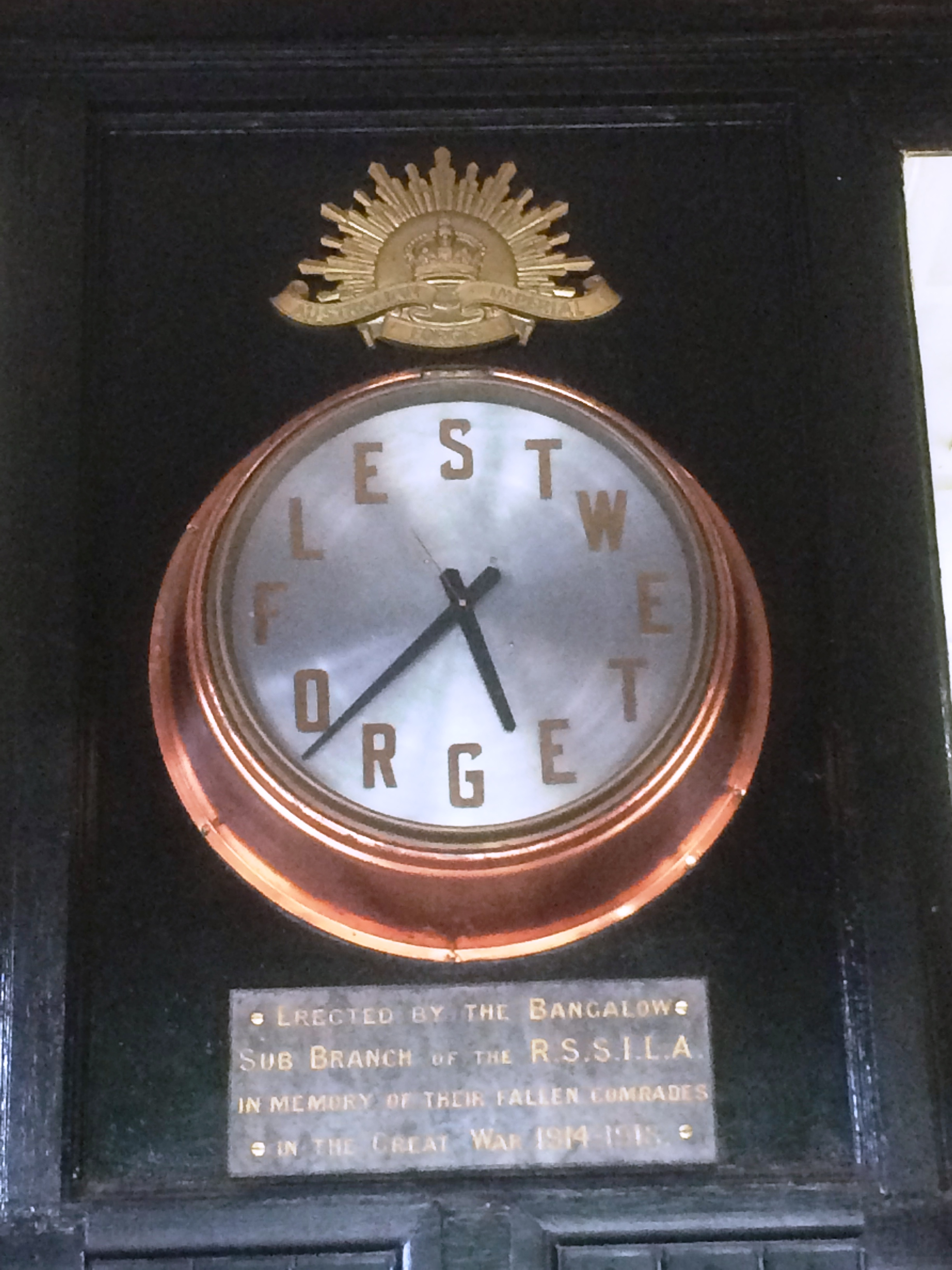 bangalow war memmorial clock