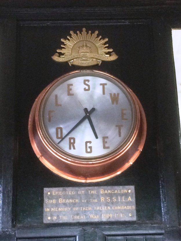 bangalow war memmorial clock