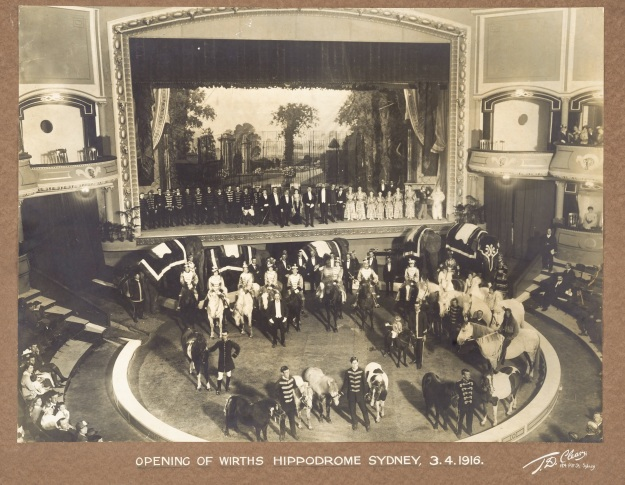 Wirths-circus-opening 1916.jpg