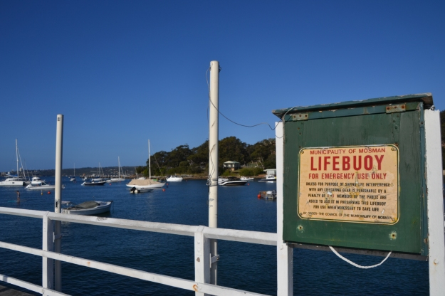 Lifebuoy sign jetty Balmoral beach.jpg