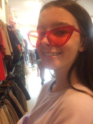 Amelia red glasses
