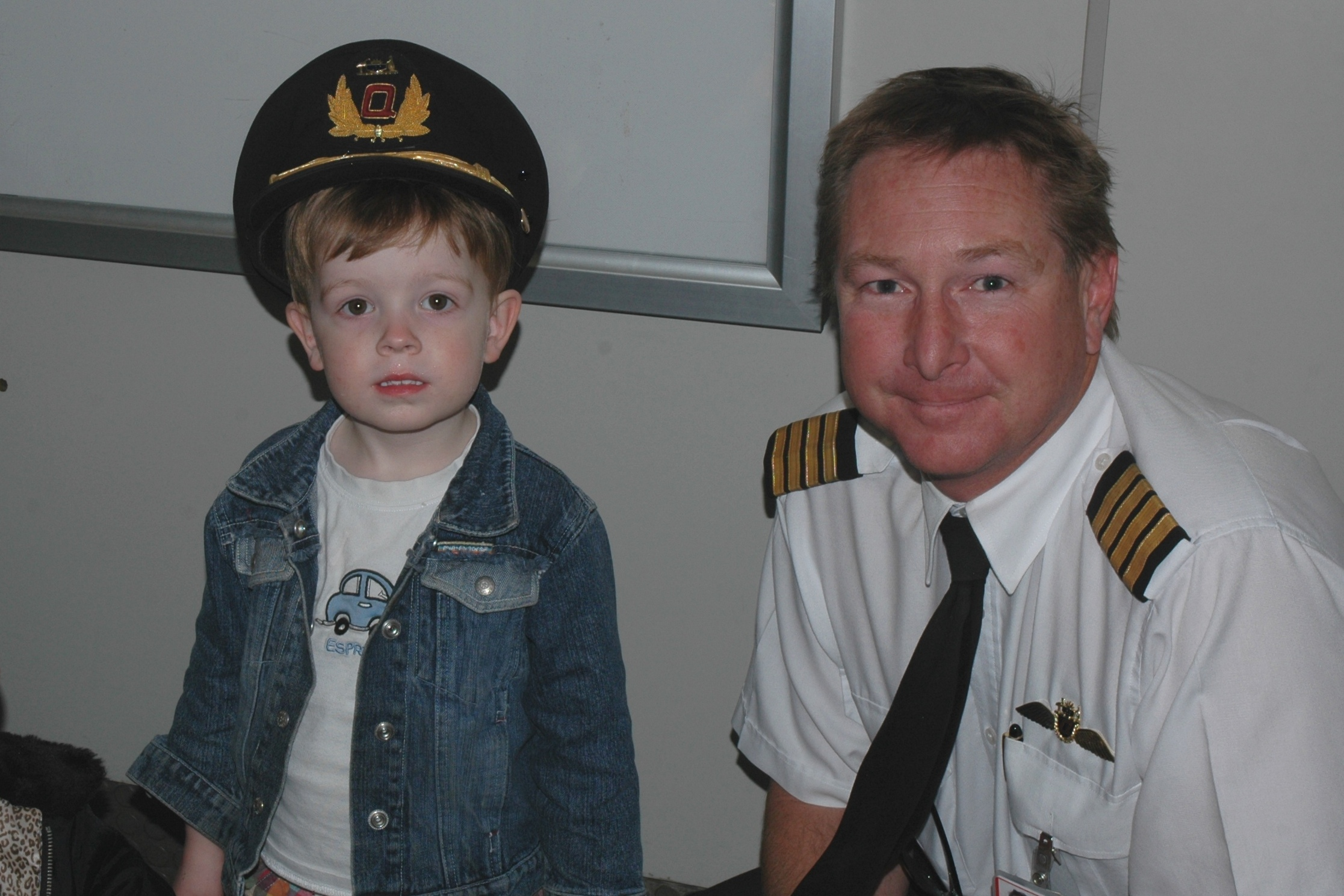 Jonathon & Qantas Pilot